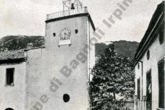 Fontana del Carpino con orologio