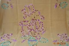 Coperte ricamate a mano con motivi floreali 1