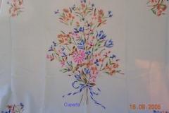 Coperte ricamate a mano con motivi floreali 3