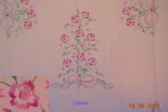 Coperte ricamate a mano con motivi floreali 4