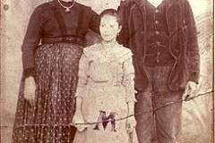 Foto per passaporto. Famiglia Clemente, 1885