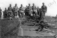 Foto di guerra, gentilmente resa disponibile dal Sig. Aniello Parenti e tratta dall'album di suo padre (l'ufficiale in…